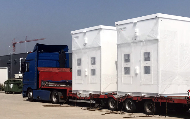 Zwei transportable und modulare Younicos Y.Cube Batteriecontainer wurden an der Hywind On-Shore Umspannstation im schottischen Peterhead platziert.©Yunicos