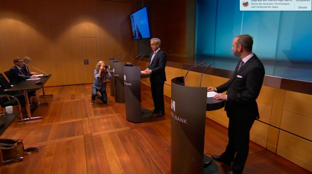 Pressekonferenz mit Zentralbankchef (l.)©Norges Bank