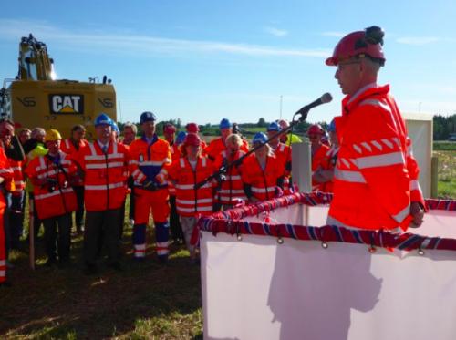 Verkehrsminister Ketil Solvik-Olsen zum Start des Straßenbauprojektes zwischen Loten und Elverum in Hedmark©Statens vegvesen