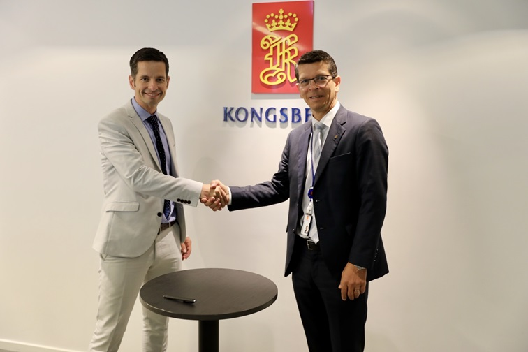 KONGSBERG CEO Geir Håøy (right) and Tristan Halford-Maw, Deputy Director, M&A Rolls-Royce.