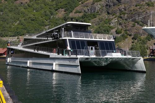 """Am 15. Mai startet der regelmäßige Betrieb zwischen Flåm und Gudvangen mit der Elektrofähre """"Future of the Fjords"""".©Øystein Thorvaldsen /Flåm AS"""