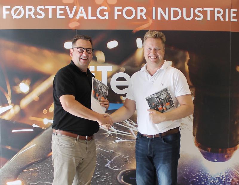 Jochen Kemper, International Sales Manager bei Kemper (links), und iTec-eigener Arild Wangsmo, Machine Sales (rechts) am Hauptsitz von iTec in Larvik.©iTec AS