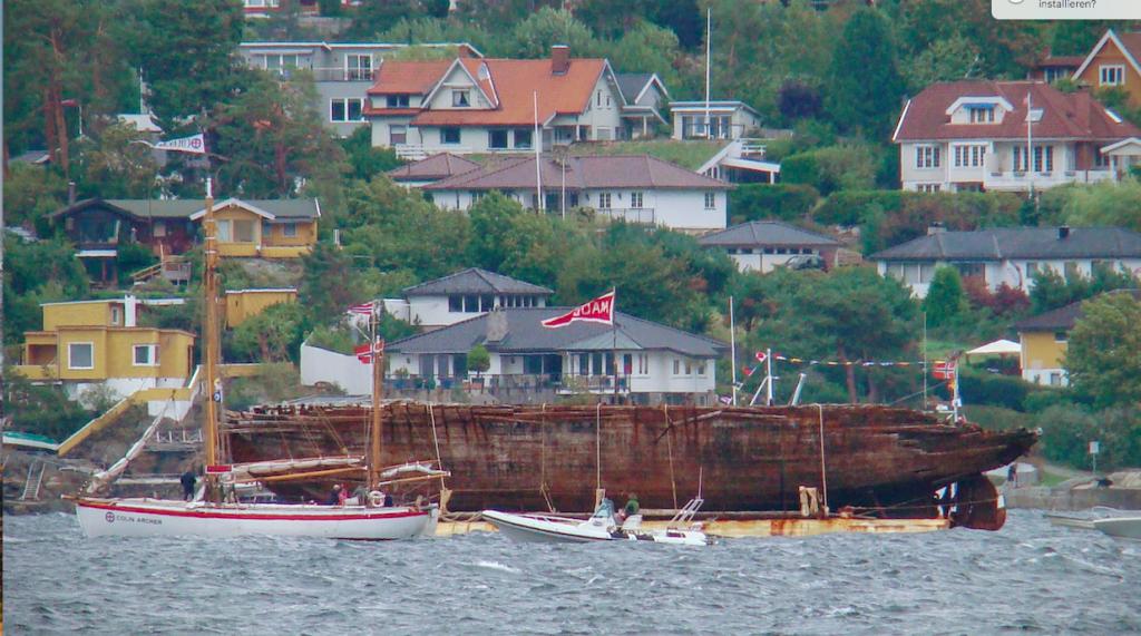 """Die """"Maud"""" auf dem Oslofjord auf dem Weg nach Vollen –vorbei am Sommersitz von BusinessPortal Norwegen :-)©BPN"""