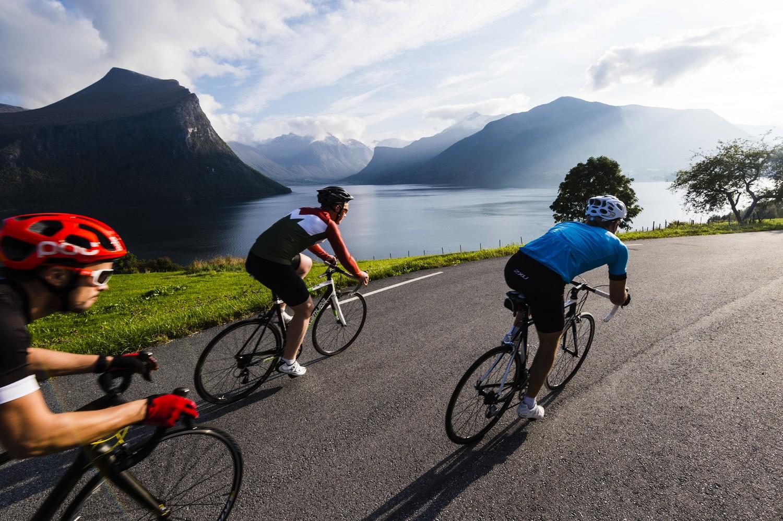 Radfahren ist ein beliebter Freizeitsport. Jetzt sollen spezielle Warnsysteme die Fahrt durch Tunnel sicherer machen.©Mattias Fredriksson/visitnorway.com