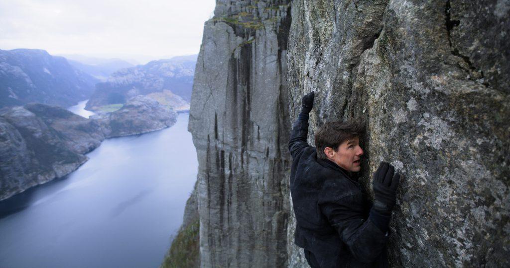 Tom Cruise hängt als Ethan Hunt am Preikestolen – und niemand weiß es.Tom Cruise hängt am Preikestolen und niemand weiß es.©paramount.com