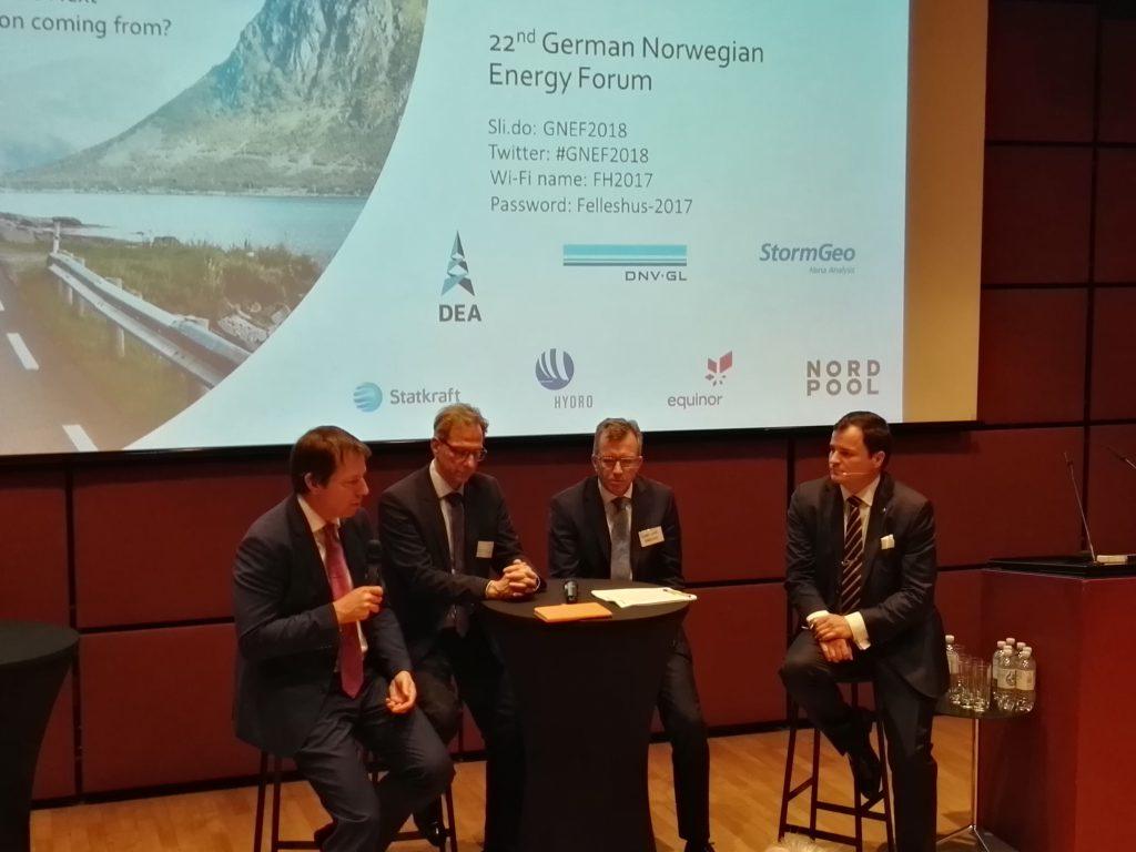 Diskussion im Felleshus zum 22. Deutsch-Norwegischen Energieforum©BPN