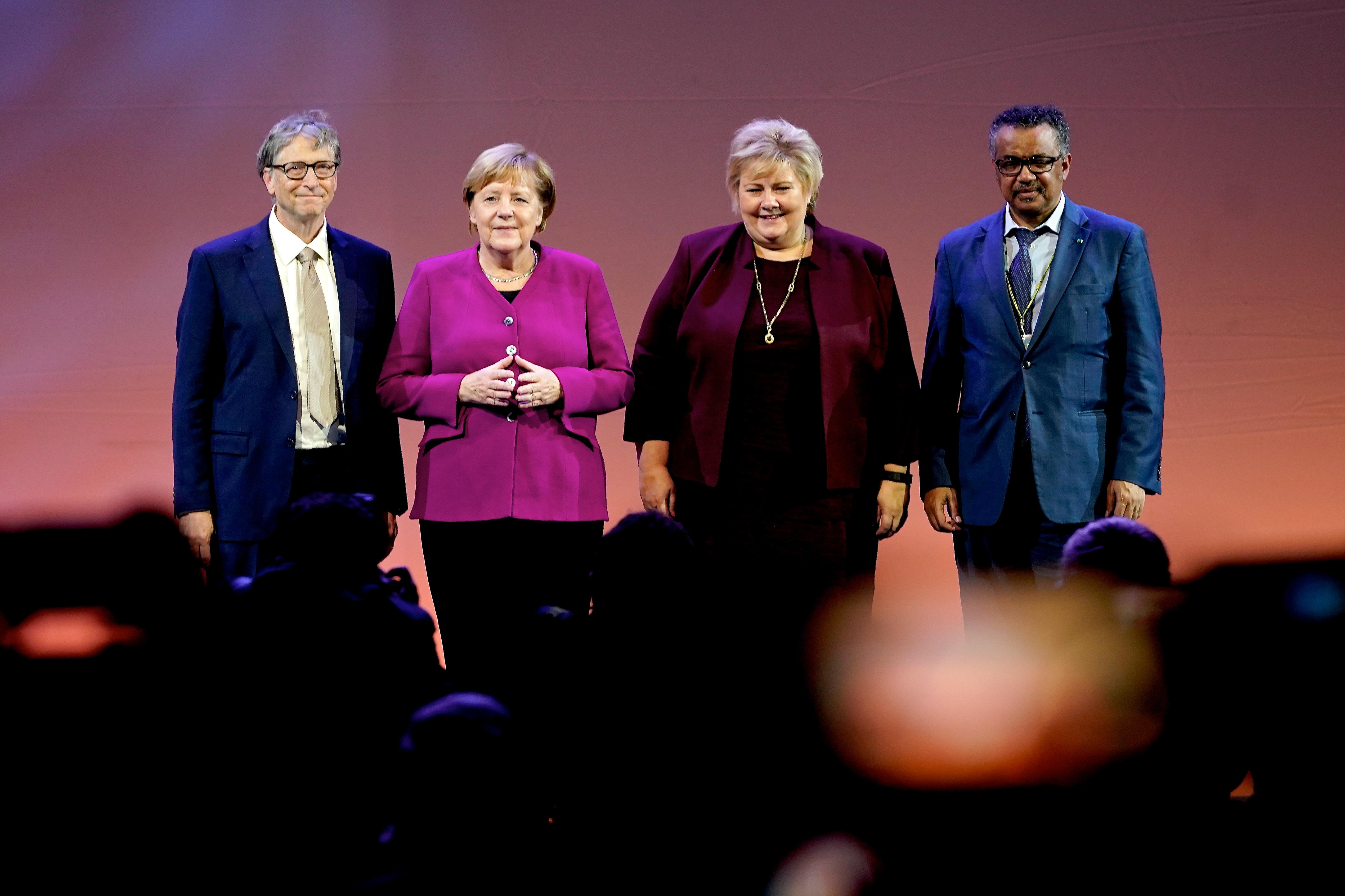 Erna Solberg zum 10. Weltgesundheitsgipfel mit Angela Merkel, Bill Gates und WHO-Generaldirektor Tedros Adhanom Ghebreyesus©World Health Summit.