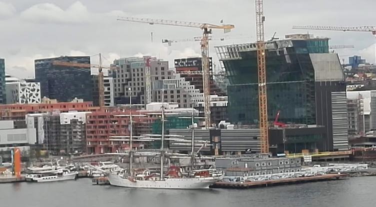 Großbaustelle an der Oper in Oslo. Die Bauindustrie hat in Norwegen einen Anteil an der Entstehung des BIP von 7,4 Prozent@BPN