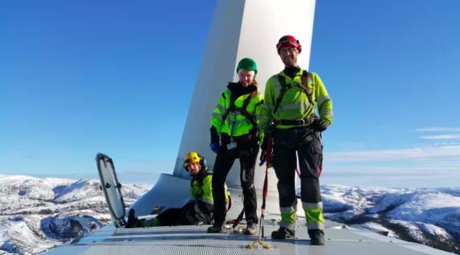 Die Stadtwerke München und der norwegische Energieversorger TrønderEnergi investieren gemeinsam drei Milliarden NOK in vier neue Windparks. Im Bild: Der Windpark Bessakerfjellet in Roan, einer von vier Windparks, die künftig gemeinsam betrieben werden sollen.©TrønderEnergi